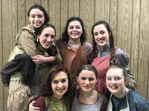 Lewiston High School drama club presents <em>Annie</em>