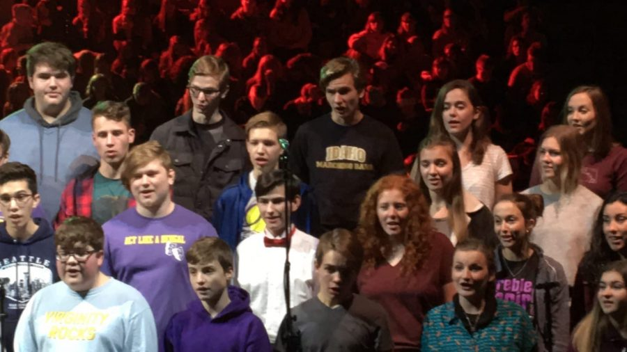LHS+Gold+Voices+choir+rehearses+for+the+University+of+Idaho+Christmas+concert.+Photo+courtesy+of+Mindy+Pals.
